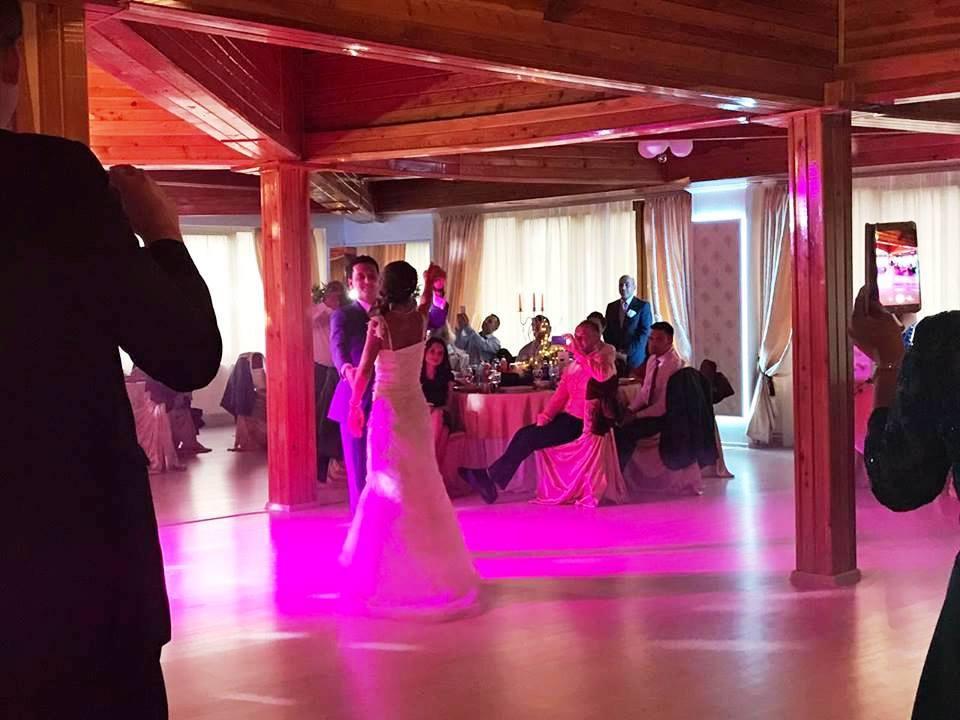 Nuntă în salon